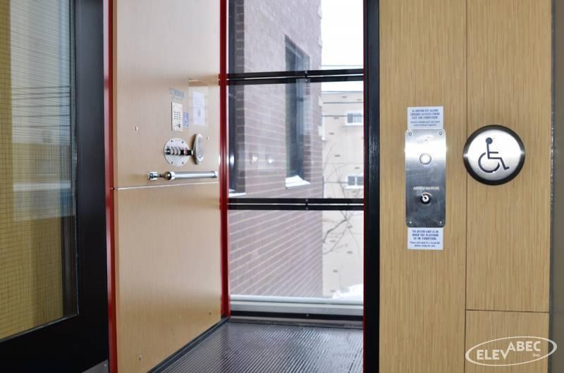 Bouton ascenseur (Plate-forme pour personne handicapée)